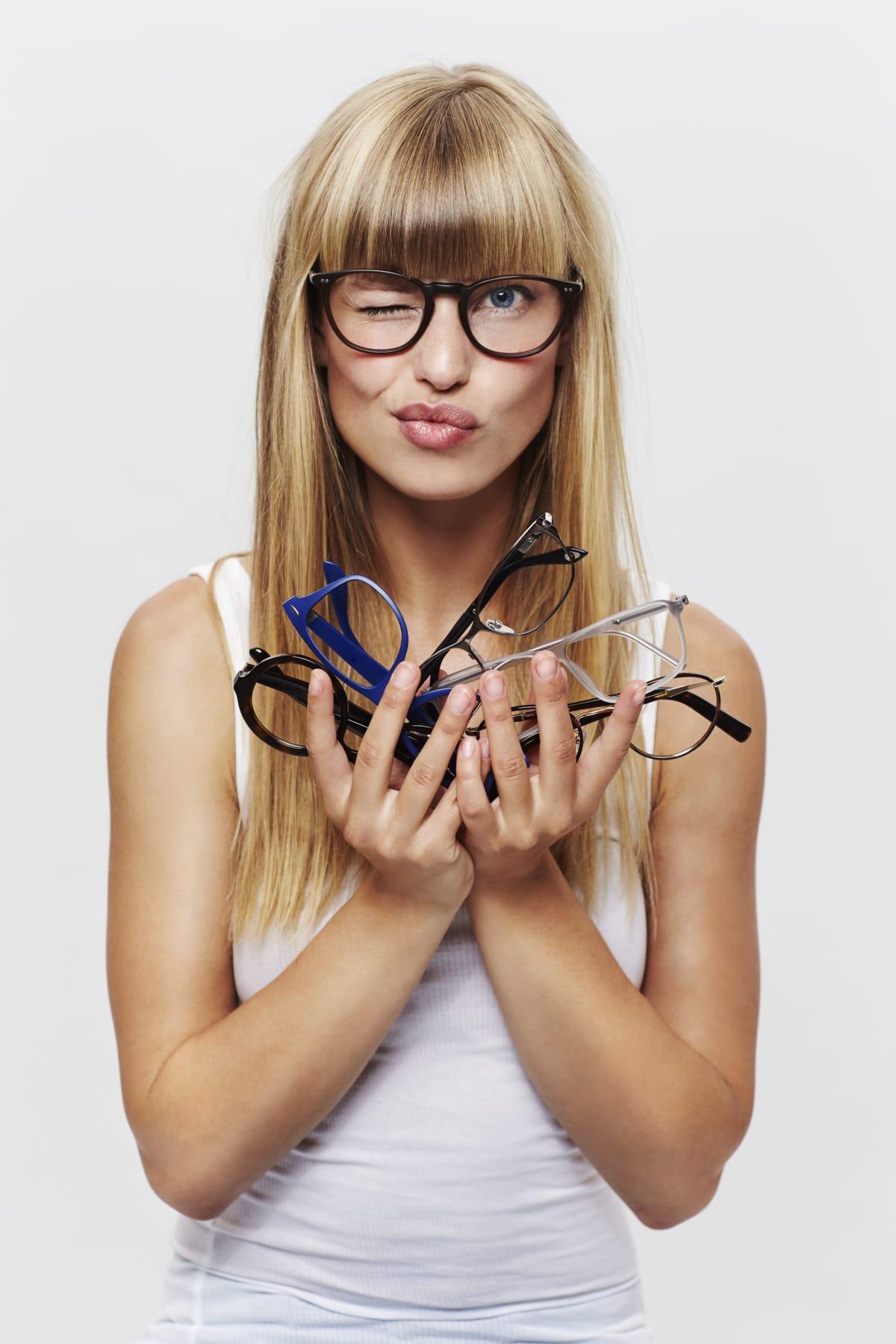 Brillen 99 in Bonn Bad Godesberg - Einstärkenbrillen ab 99,- Euro und Gletischtbrillen (Mehrsträrkenbrillen) ab 199,- Euro